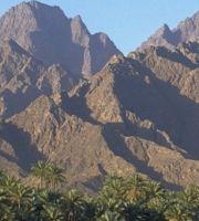 Oman_0420_z_BAE057_Wadi_Dhaiquah_Berge